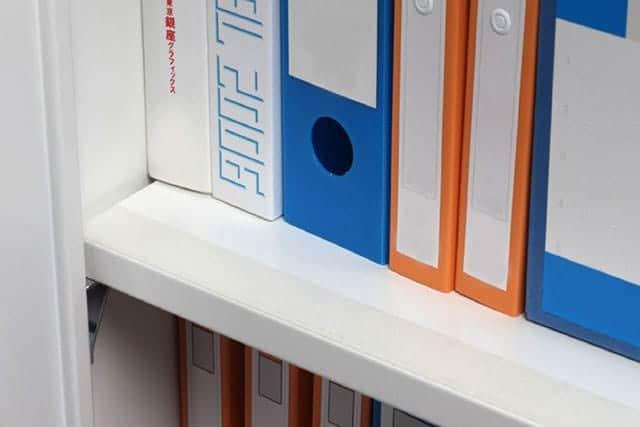 3M 落下抑制テープ 書棚用 透明なので目立ちません