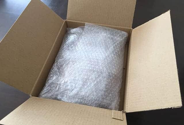 梱包を開けるとプチプチに丁寧に包まれてました