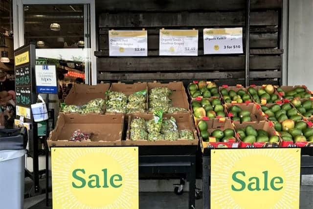 Amazonがスーパー進出 バナナが安くなった