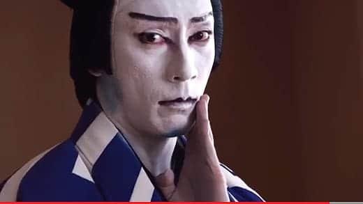 アップルのCMに出演している歌舞伎役者は海老蔵だった!