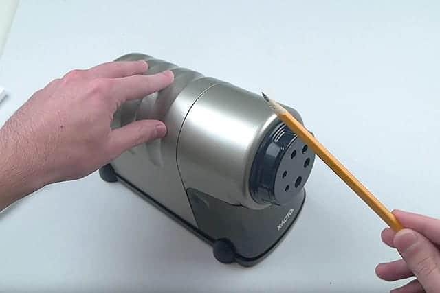普通の鉛筆ももちろん削れます。