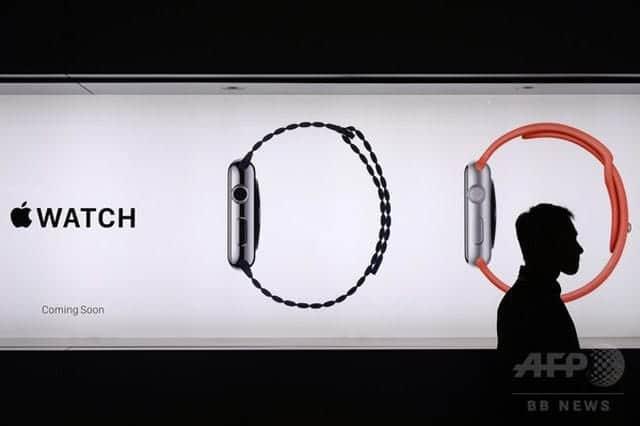 Apple Watch登場から2カ月、ようやく店頭販売へ