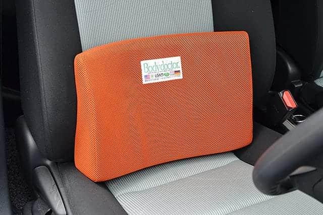 腰痛持ちの強い味方!運転中の腰をやさしく支えてくれるクッション『ボディドクター バックアップ』