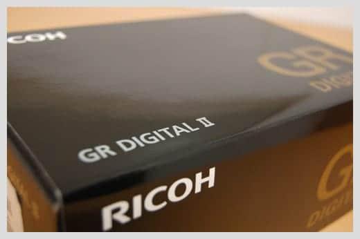 GR DIGITAL II の箱の写真