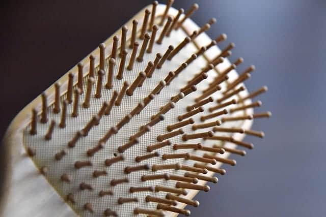 育毛マッサージに最適!やさしい使い心地の大きなヘアブラシ『天然竹ヘアブラシ』購入【レビュー】