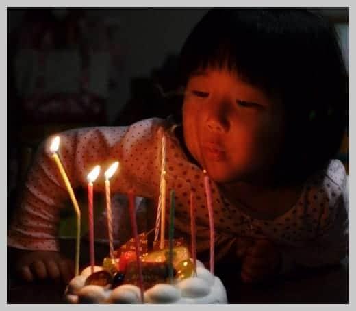 36歳の誕生日 娘が火消しに夢中