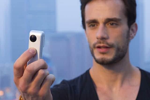 Insta360 Nano iPhoneに接続せずに単体でも使用可能。