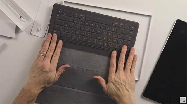 iPad ProのためのSmart Keyboardの開封動画