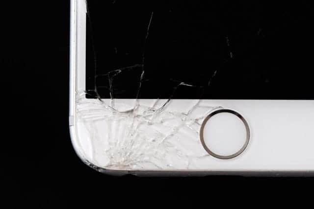 壊れたら修理に65,664円!iPhone Xには絶対ケースが必須。衝撃吸収力抜群のレザーケース厳選5つはこれ