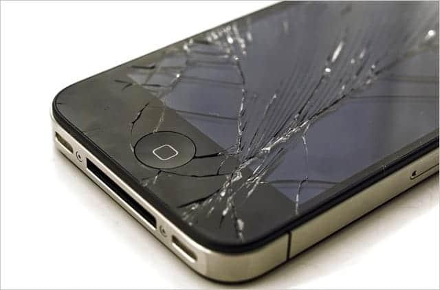 iPhone フロントガラス ヒビ