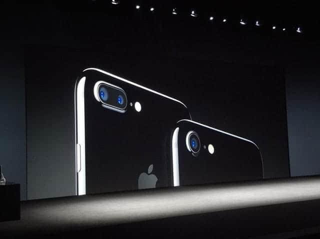 iPhone 7を実際に触ってみた-AirPodsの使いやすさに感動