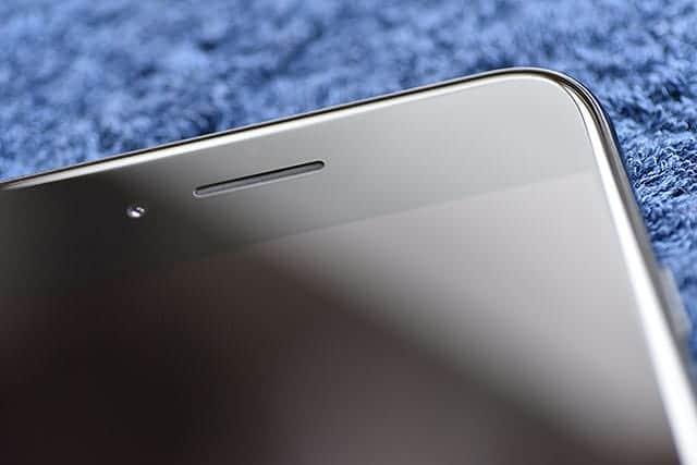 iPhone 7 ジェットブラックの前面上