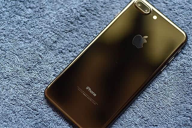 iPhone 7 ジェットブラック背面