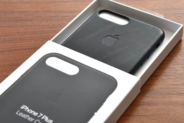 2年間使った純正ケースは経年劣化でこんなにボロボロに!iPhone 7 Plus 純正レザーケース写真レビュー