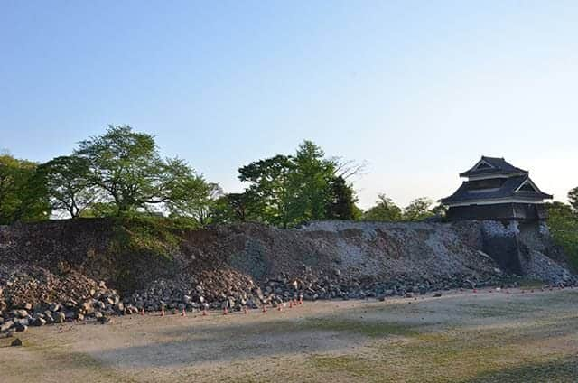 戌亥櫓の石垣は全滅