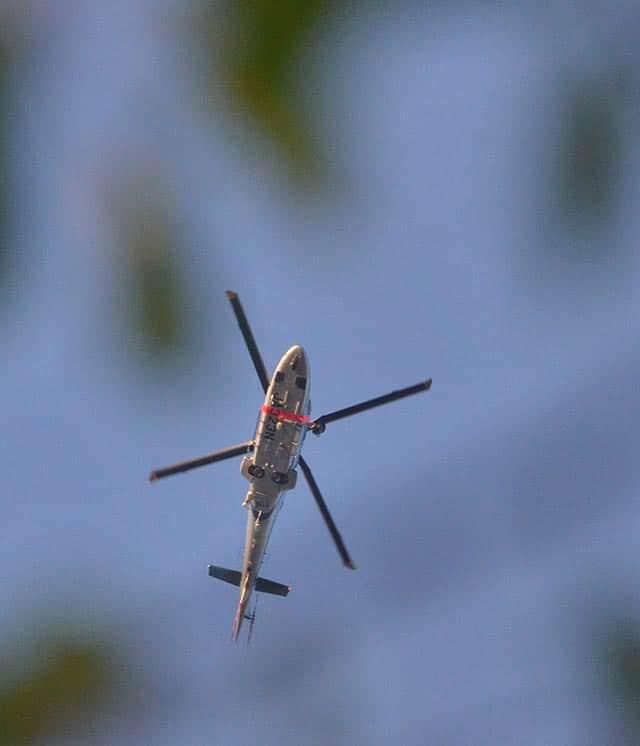 ヘリコプターが飛び交う熊本城