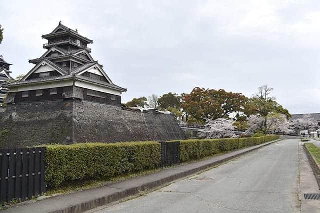 宇土櫓とスロープ