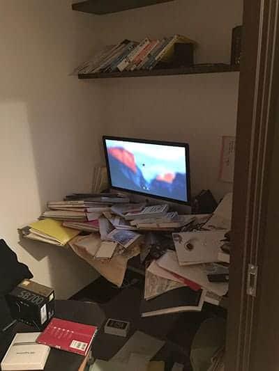 熊本地震で本棚から落下した本