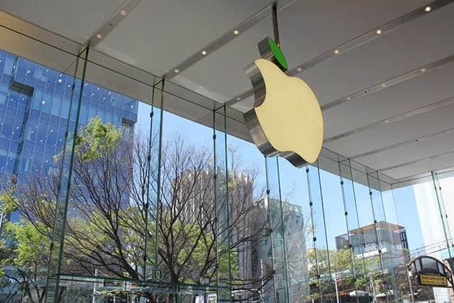 Appleが直営店のリンゴを緑に光らせる意味