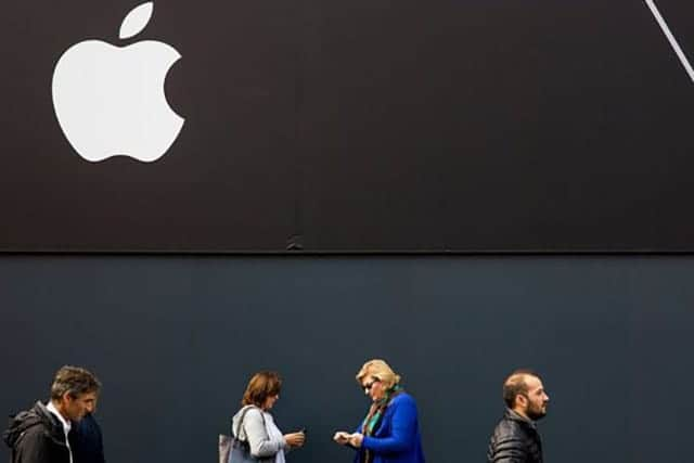 Apple決算、新型待機でiPhone販売減少か