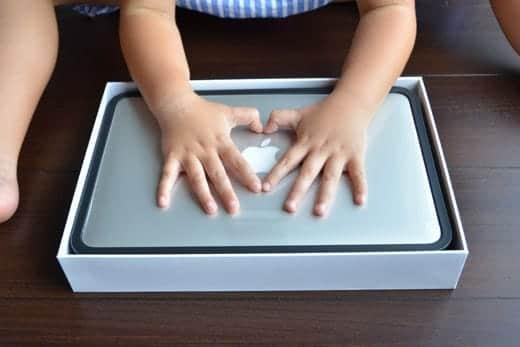 MacBook Air 11インチ 開封写真 箱オープン