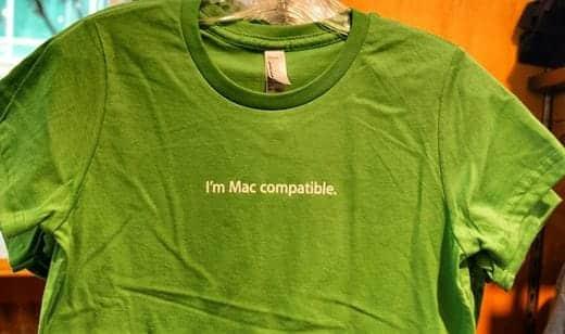 アップルの本社で販売されているTシャツ