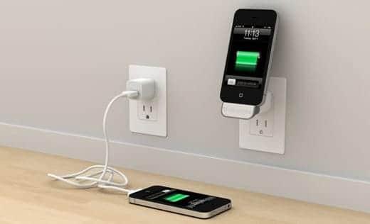 ケーブルレスでiPhoneをすぐ充電できる「MiniDock」