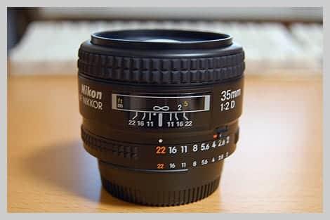 Ai AF Nikkor 35mm F2Dの横