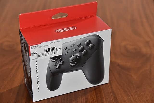 Nintendo Switch Proコントローラーの箱