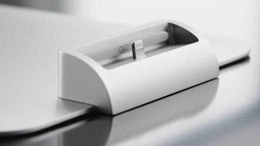 iMacのスタンドに乗せたところ