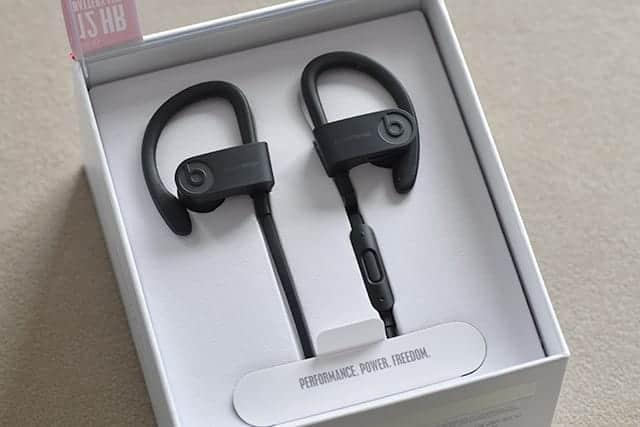 ランニング用に耐汗・防沫・ワイヤレスのインイヤー型イヤホン『Powerbeats3 Wireless』購入♪快適!