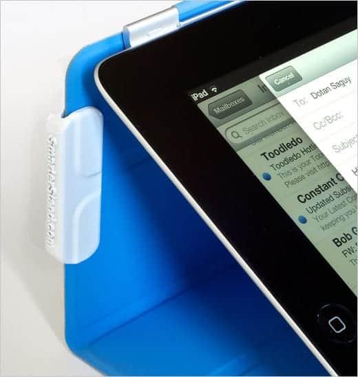 iPadのスマートカバーの角度を自在に変えられる便利なクリップ- Smarter Stand