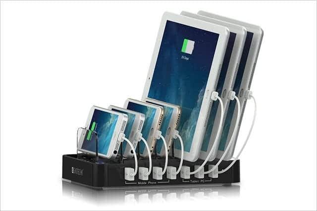 7台ものスマホやタブレットを同時に充電できる充電ステーションがすごい。Satechi 7台同時 7ポートUSB 充電ステーション