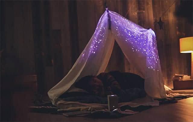 家の中にいながら星空を見て眠れる