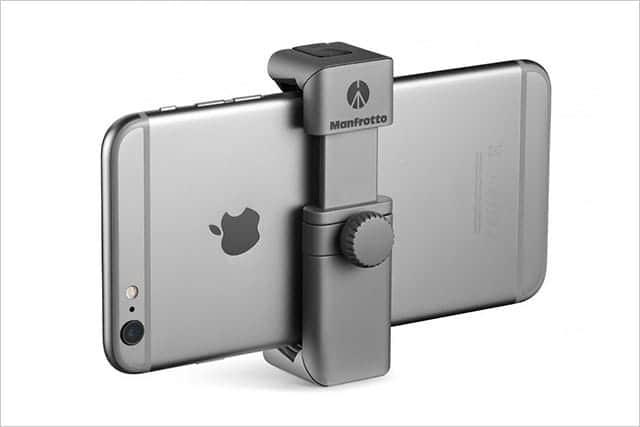 iPhoneを三脚に固定するスマートフォンアダプタ『マンフロット TwistGrip』発売!アクセサリシュー付き