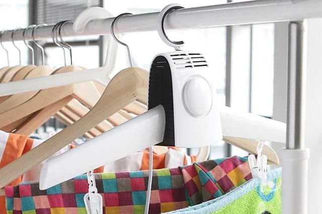 服や靴が早く乾く! 急いで乾かしたい時に頼りになる衣類と靴のハンガー型乾燥機