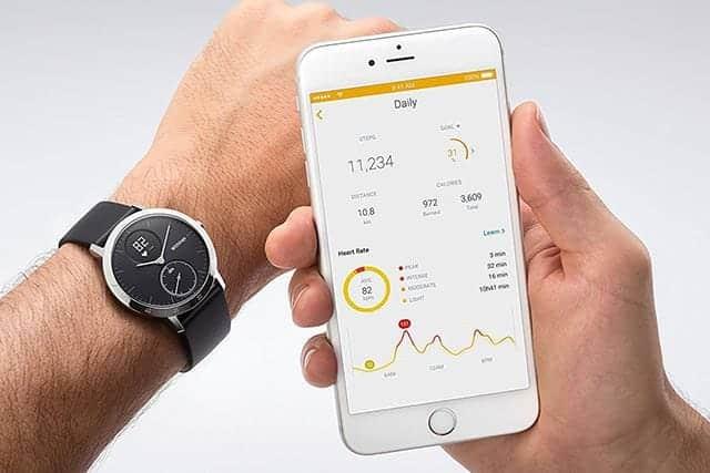 データはスマートフォンに自動で同期される