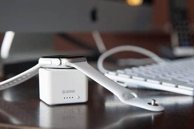 Apple Watchの充電切れの心配なし!1つ持っておくだけで安心の専用サイコロ型モバイルバッテリー