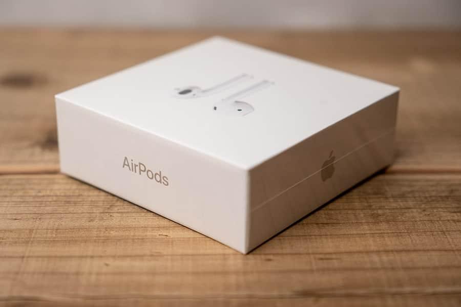 届いたAirPods2のパッケージ