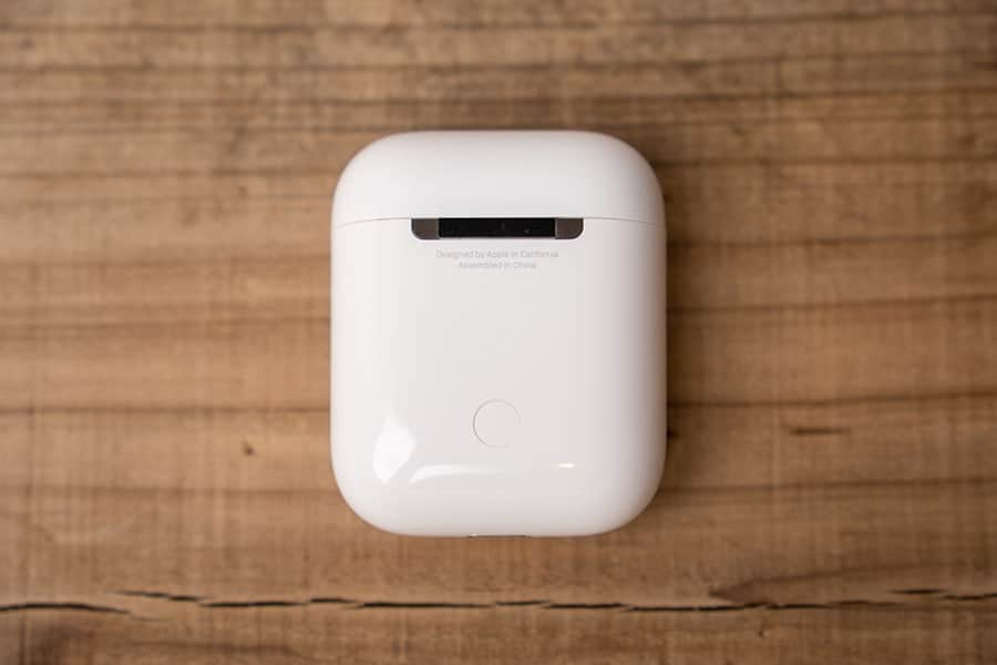 AirPods2のケース背面