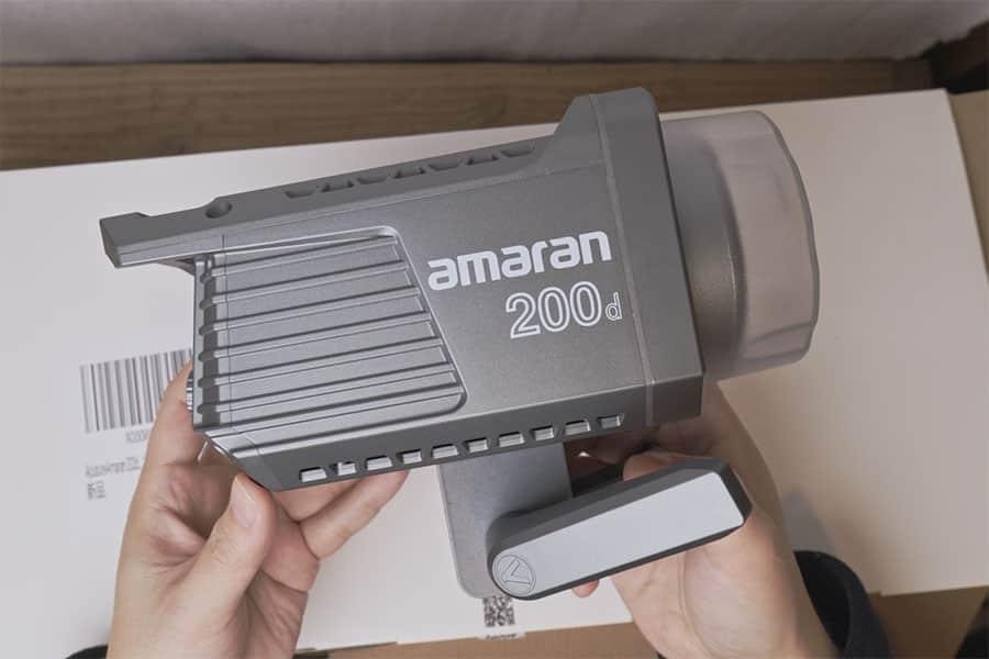 Amaran 200Dの本体