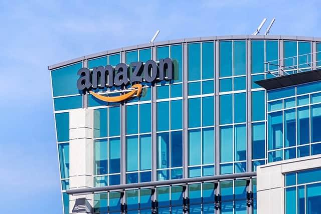 アマゾンのベゾスCEO、不倫脅迫騒動があぶり出すデジタル時代の危うさ