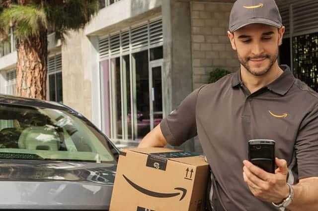アマゾン、車のトランクに商品を配達する新サービス