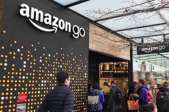 Amazon 今なぜリアル店舗に注力するのか