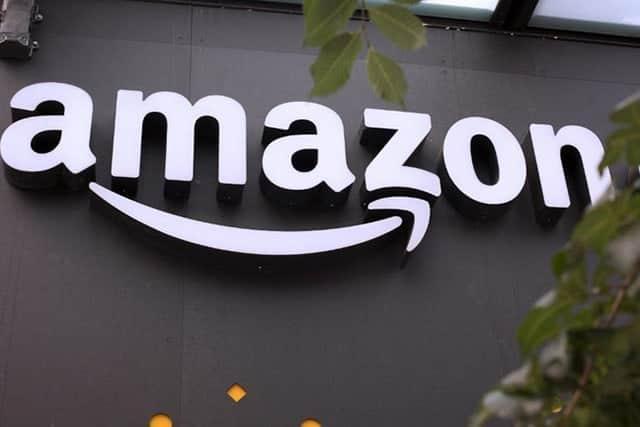 米アマゾン、時価総額で世界首位に