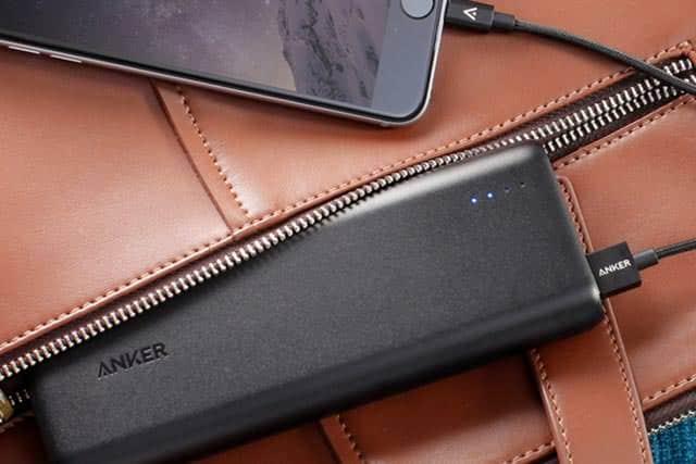 大容量なのにフル充電が半分と超速いモバイルバッテリー『Anker PowerCore 20100』コスパ高っ。