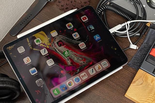 iPad Proを接続