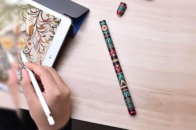 かっこいいApple Pencilのケースが欲しいならこれ!アルミとレザーで高級感バッチリ!