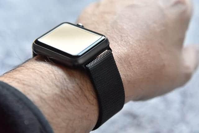公式より18,000円以上も安いApple Watch バンド ミラネーゼループ レビュー 安くていいものでした。