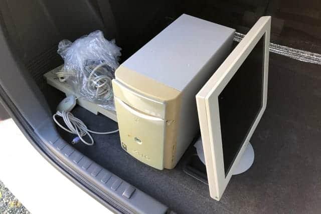 古くなったWindowsパソコンを車に積む